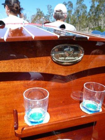 Noosa Dreamboats Classic Boat Cruises : Cruising in luxury