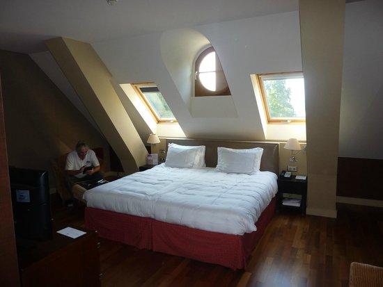 Parc des Eaux-Vives: The room