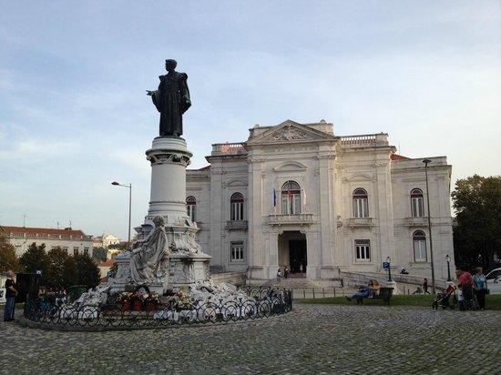 Sousa Martins Statue