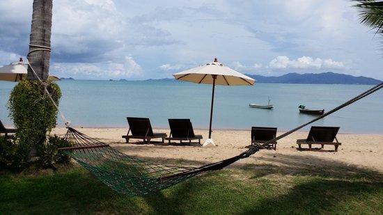 Baan Bophut Beach Hotel: Beach