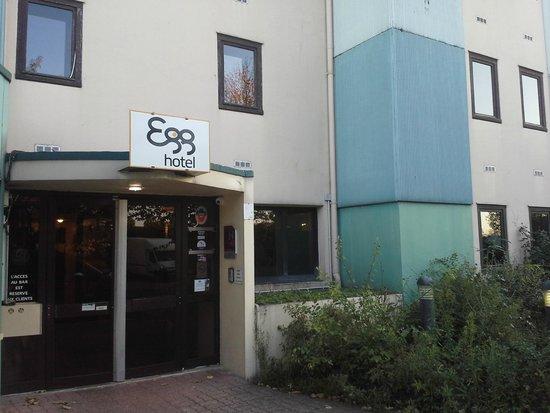 Egg Hotel Paris Gonesse