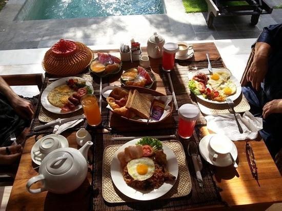 The Buah Bali Villas : breakfast