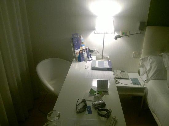 Barcelo Castellana Norte : La scrivania