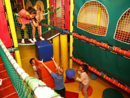Santa Rosa: LEISURE CENTER PALL POND INDOOR PLAYGROUND