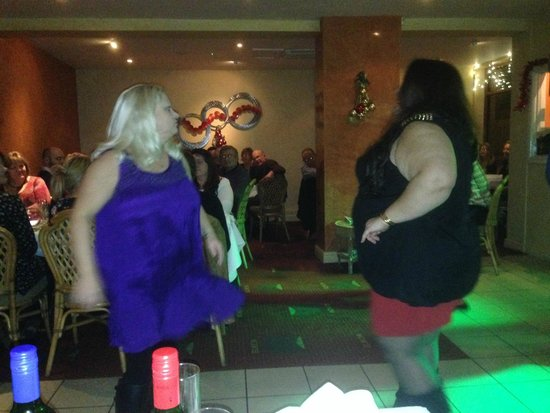 Elaichi Restaurant: Dancing after dining