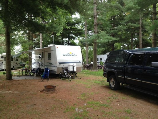 Full hookup campgrounds in mi