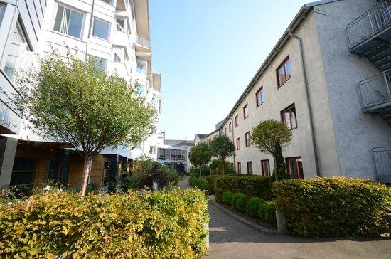 Clarion Collection Hotel Planetstaden: Вид отеля из внутреннего дворика