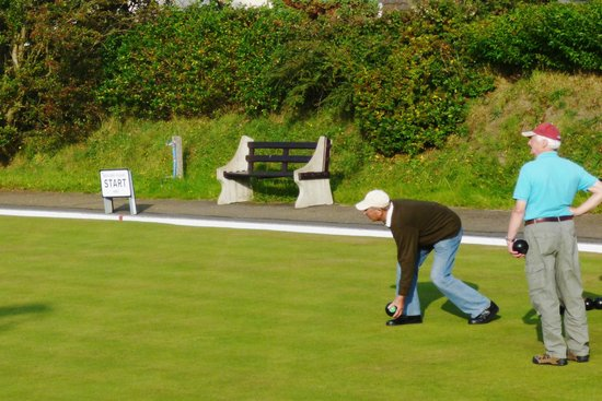 Breagle Glen Bed and Breakfast: lawn bowling and tennis club at Breagle Glen