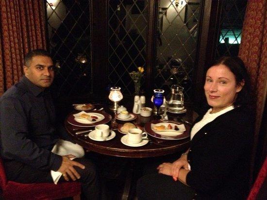 The Oak Room Restaurant: Lovely Romantic Meal