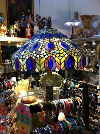 Twice Upon a Time : Tiffany lamp