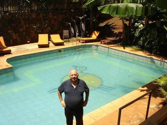 Passaro Suites Hotel: Piscina