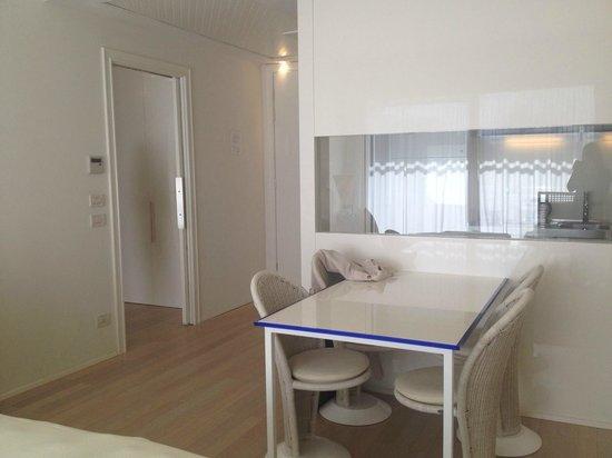 Angolo soggiorno - Bild von UNA Hotel Versilia, Lido di Camaiore ...