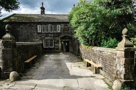 Ponden Hall Bed & Breakfast