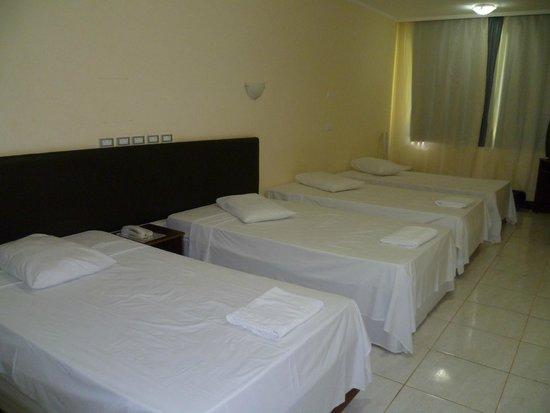 Iguassu Holiday Hotel: Apartamento  4 camas