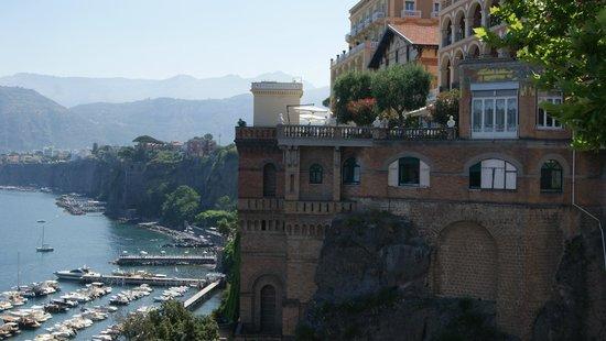 هوتل سافويا: Arredores - A caminho de Capri.
