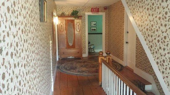 West Dover Inn: corridoio
