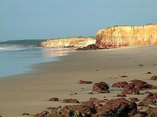 Mucuri, BA: A Praia da Costa Dourada