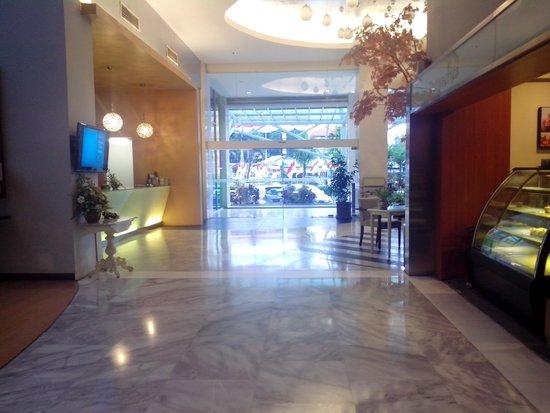 Kartika Graha: loby hotel