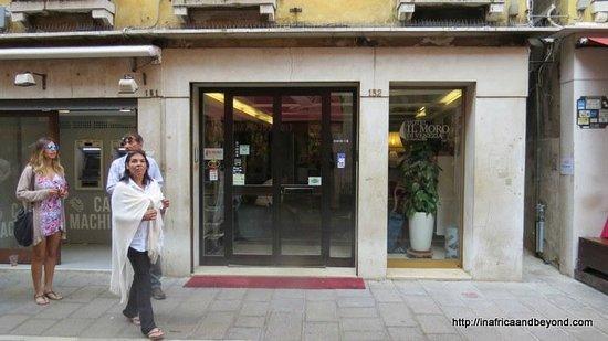 Hotel Il Moro Di Venezia: Hotel entrance