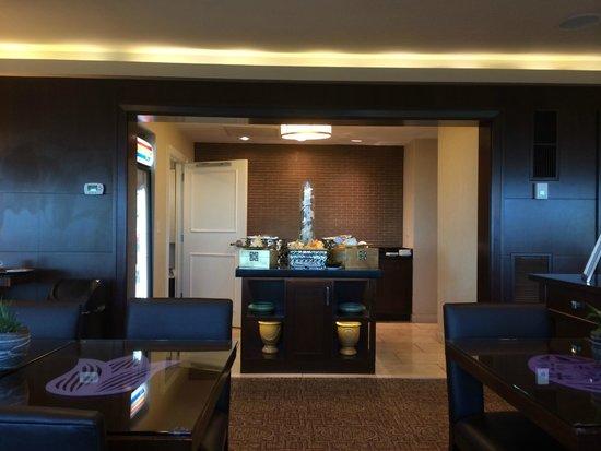 Jw Marriott Atlanta Buckhead Concierge Lounge