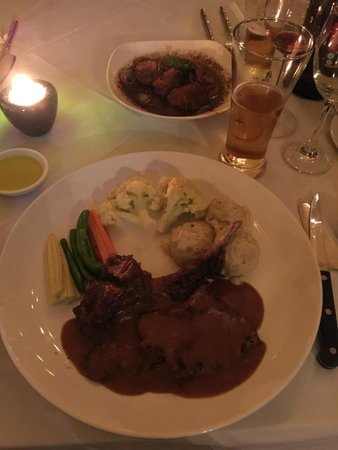 Monsoon Restaurant: ポークチョップ
