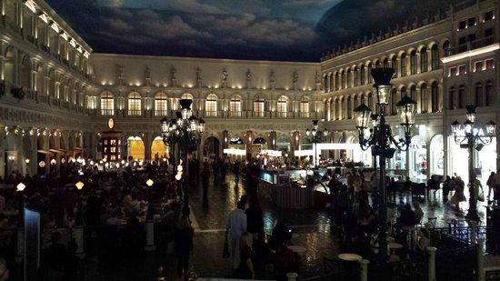 Otto Enoteca Pizzeria Restaurant Venetian Courtyard