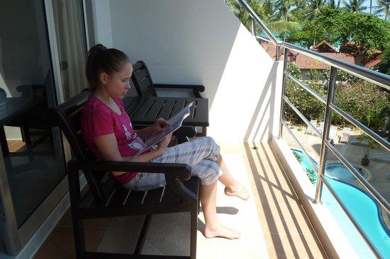 Samui First House Resort : Балкон и вид из окна