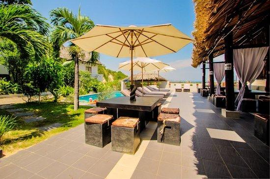 Mui Ne Hills Villa Hotel : Pooldeck