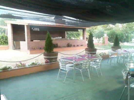 Barbacoa y terraza fotograf a de restaurante can bonastre - Barbacoa para terraza ...