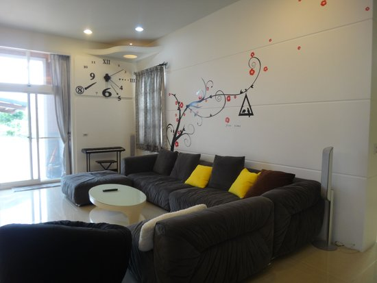 Chaopingjia Homestay: Living room