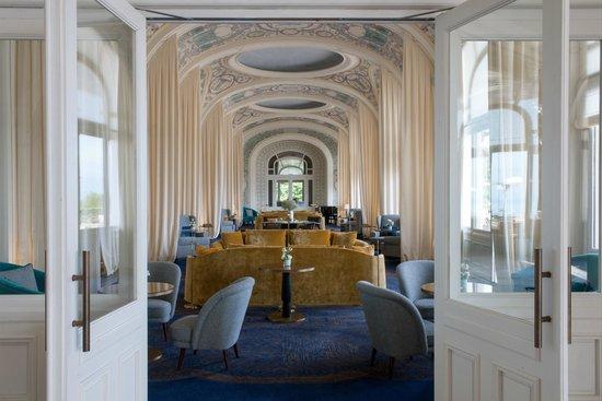 le grand salon photo de h tel royal evian resort. Black Bedroom Furniture Sets. Home Design Ideas