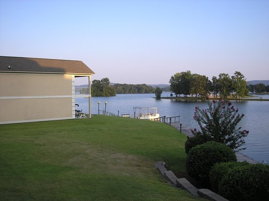 Baymont Inn & Suites Hot Springs : pic from pool area