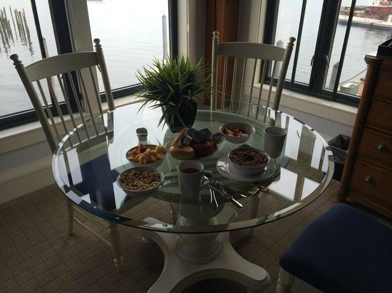 Boston Yacht Haven Inn & Marina: Desayuno