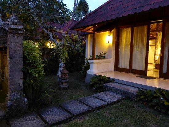 Bumi Ubud Resort: Private garden