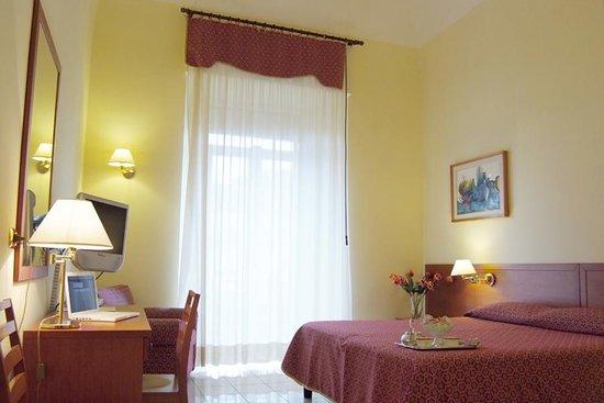 Adria Hotel Bari: Camera
