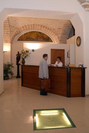 Adria Hotel Bari: reception