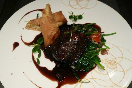 Restaurant Konrad: Hautgang - Sauerbraten vom Seeteufel