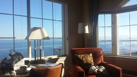 Silver Cloud Inn Mukilteo – Waterfront: View from our room at morning (no filter)