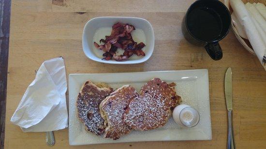 Cafe Chartreuse : Mega pancakes