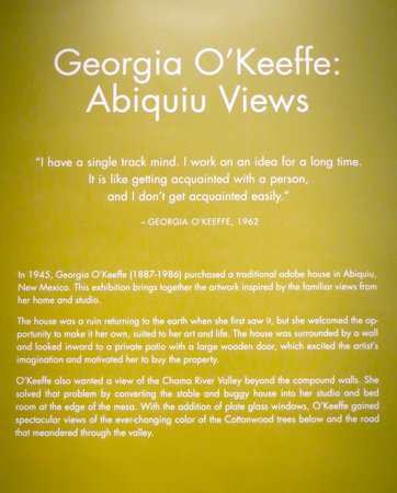 Georgia O'Keeffe Museum: Georgia O'Keefe museum plaque