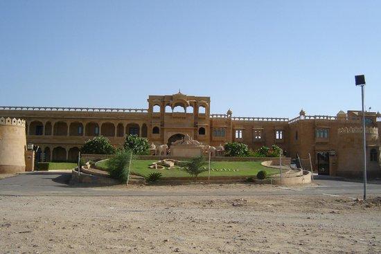 Desert Tulip Hotel & Resort : Entrée
