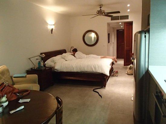 Le Petit Hotel : The room