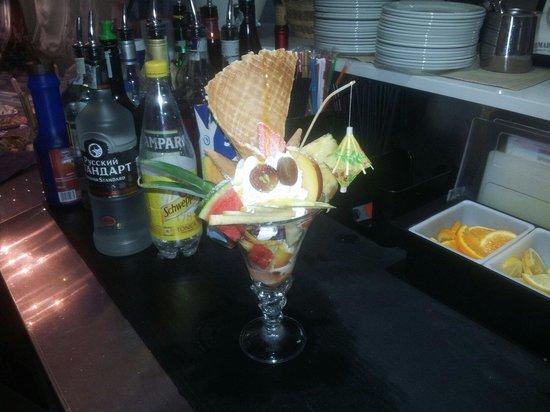 caffe shakerato con gelato recipes dishmaps gelato caffe shakerato con ...