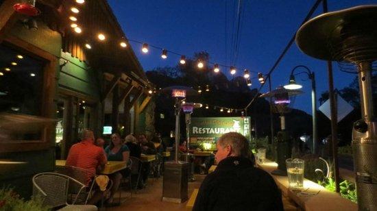 Spotted Dog Cafe: Outside