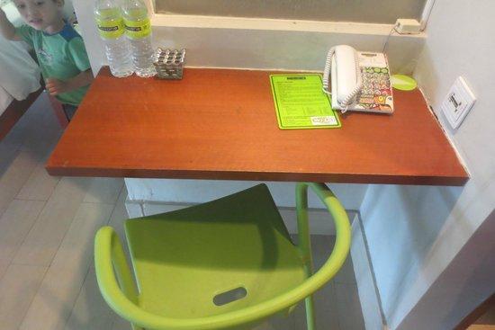 MaxOneHotels at Sabang : Desk