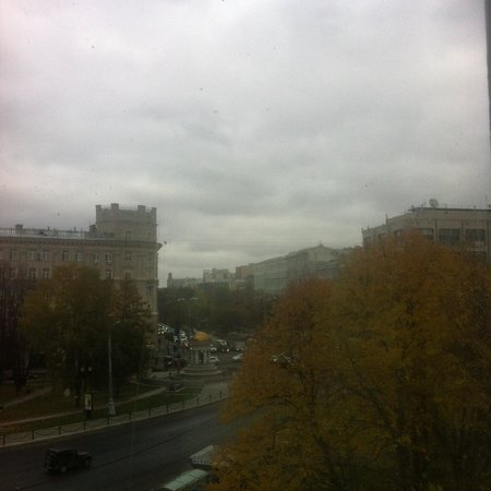 City Loft Rooms: Вид из окна