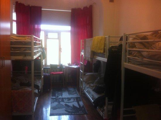 City Loft Rooms: женская спальня на 6 мест