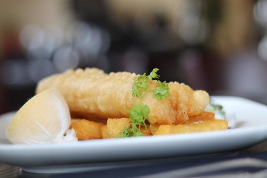 Lock & Quay Bar & Restaurant: Fish & Hand Cut Chips