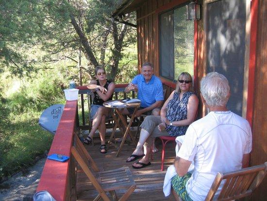 Little Toad Creek Inn & Tavern: Lodge rooms deck