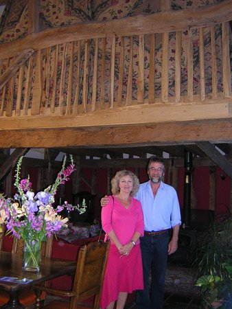 Becketts Bed and Breakfast: Ken and Jacqui in Becketts dining room